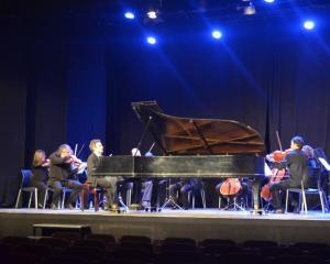 Orquestra de Cambra de Terrassa 48, amb Daniel Ligório al piano